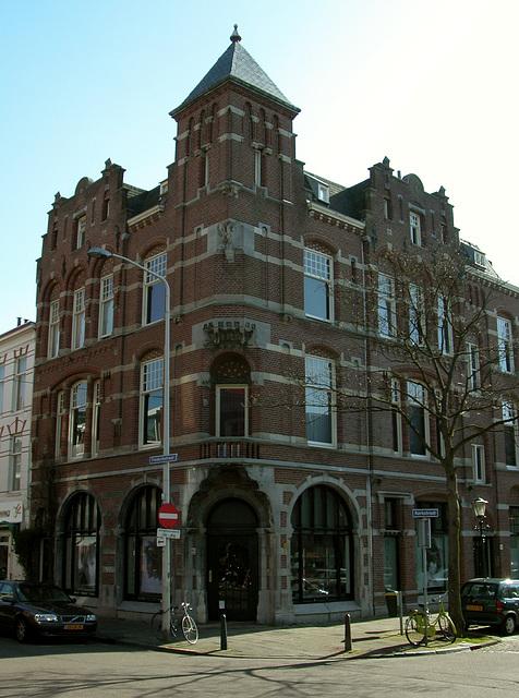 Corner building in The Hague