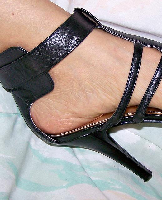 heel close up in nine west strappy sandal
