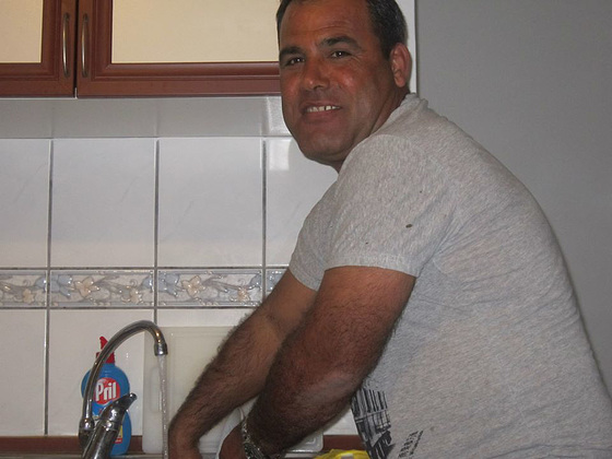 Dogan doing the washing up - a new man