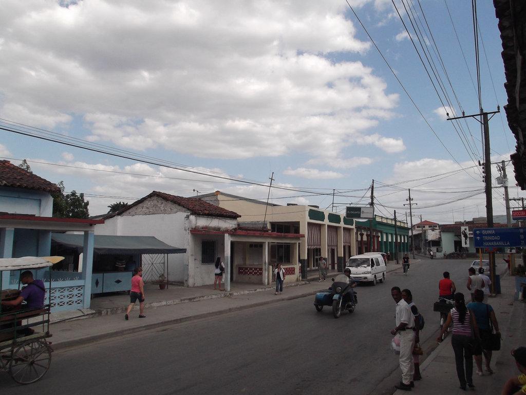 El Encanto street scenery.