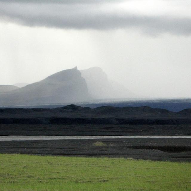 L'orage au loin (Islande)