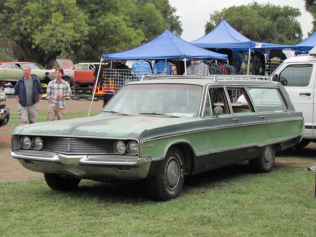 1968 Chrysler Town & Country Wagon