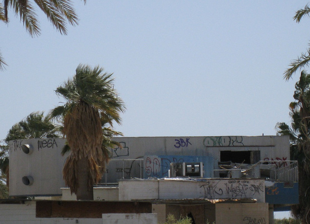 Salton Sea North Shore Yacht Club (0827a)