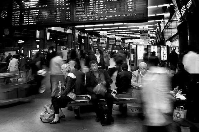 L'attente en gare [Paris-Montparnasse]