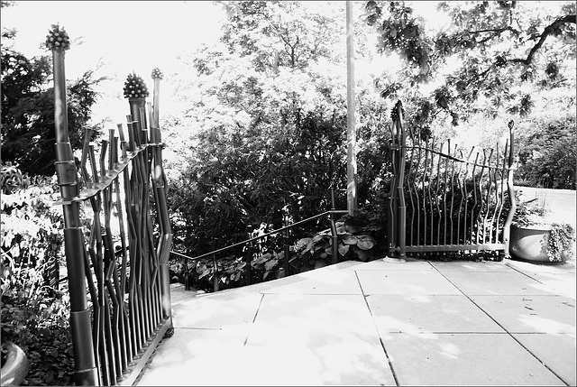 The Gate to Beal Garden