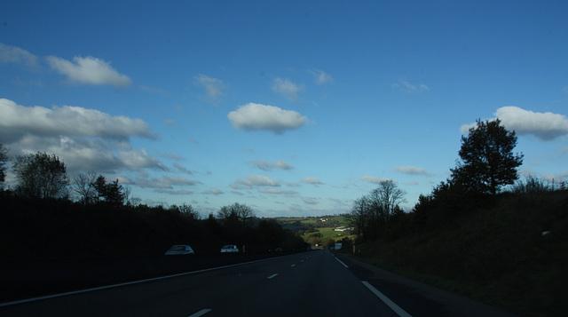 bonne journée avec du ciel bleu