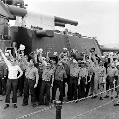 Sailors rally