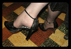 Dame Candy et ses talons hauts / Lady Candy's high heels shoes.