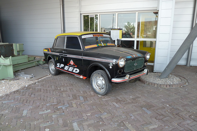 Hoogovens Museum – Indian taxi