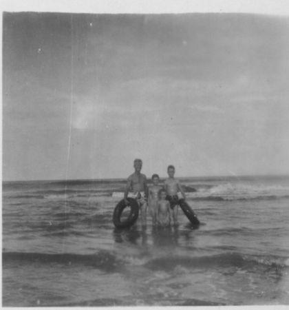 Family, Jacksonville beach, 1953