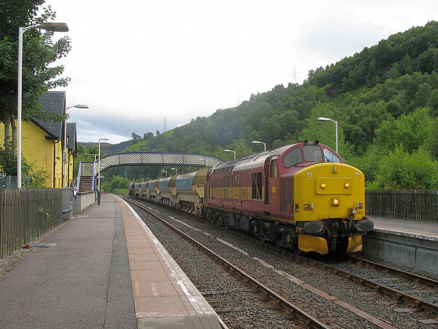 37 422 stops at Garve
