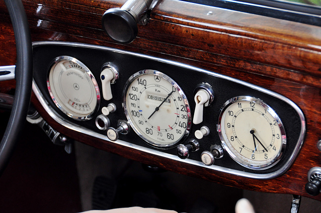 Holiday 2009 – Mercedes-Benz dashboard