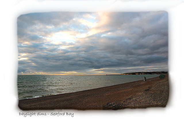 Daylight dims over Seaford Bay - 7.12.2013