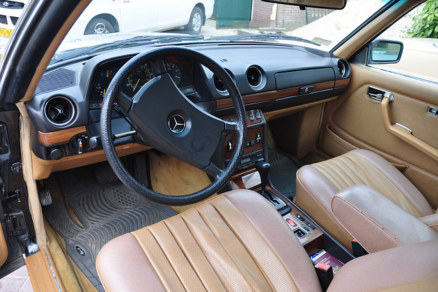 ipernity: Interior of a 1985 Mercedes-Benz 300 CD Turbodiesel - by ...