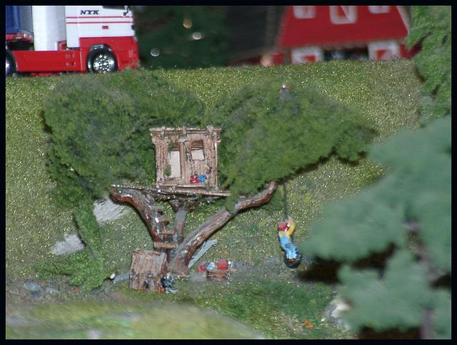 Tree - House