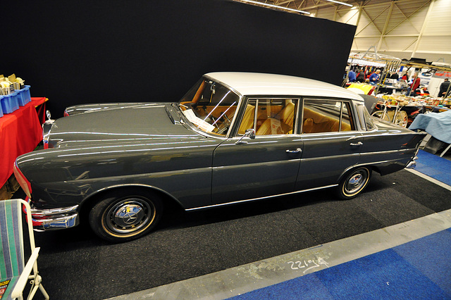 Interclassic & Topmobiel 2011 – Mercedes-Benz 220 SE Automatic
