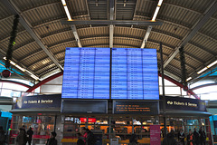 New departure board in Utrecht Central Station