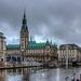 """Hamburg, Rathaus und Kleine Alster bei """"Schiedwedder"""" (195°)"""