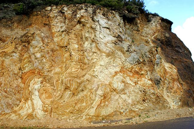 Einblick in die Zeit vor Jahr-Millionen, als das Gestein noch flüssig war. ©UdoSm