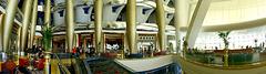 Im Lobby-Bereich des Burj al Arab. ©UdoSm
