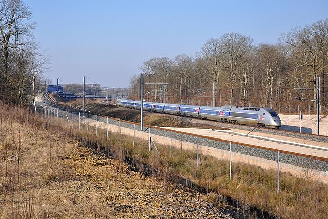 TGV POS à l'entrée de la LGV Rhin-Rhône