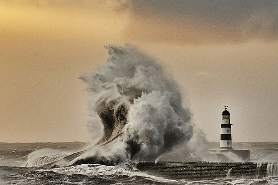 Storms Seaham BIG  2698112k