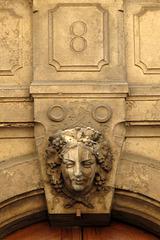 Haut de fronton (Quartier de la Presqu'Ile à Lyon) (France, Europe)