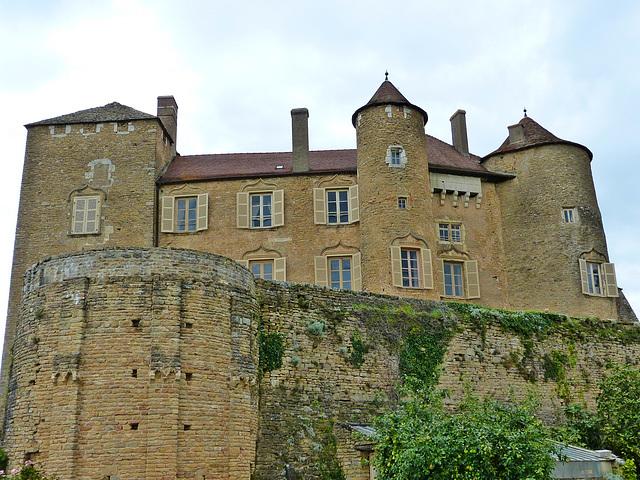 Le château médiéval de Berzé le Châtel en Saône et Loire.