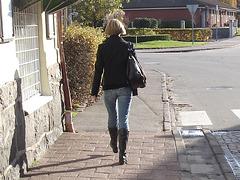Tanka blonde Lady in SS boots style / Blonde Tanka en bottes style SS.