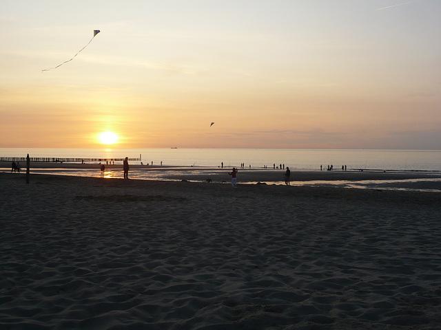 Sonnenuntergang am Strand von Cadzand 2