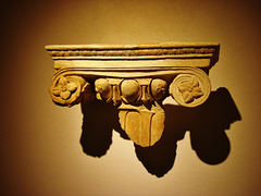 Corinthian capital (plaster)
