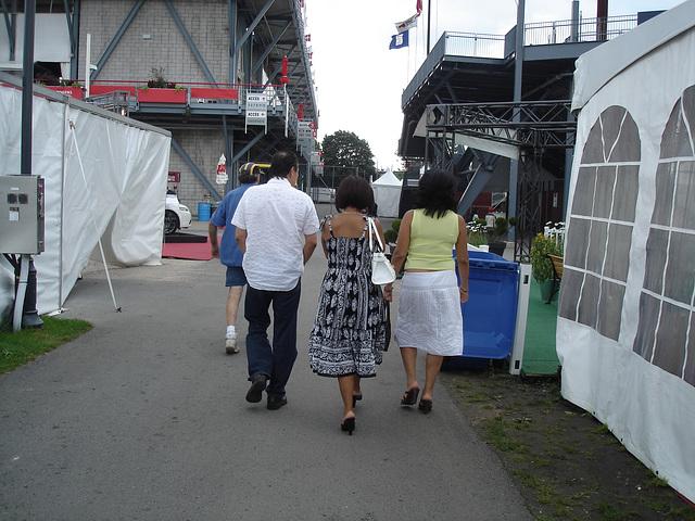 Duo de Dames matures et hispaniques en talons hauts / Hispanic mature Ladies in high heels.