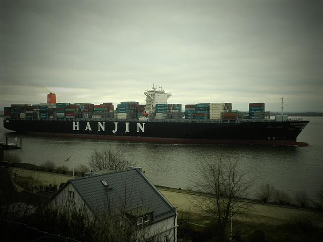 Containerschiff  HANJIN  HARMONY auslaufend Hamburg
