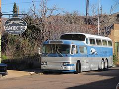 GM PD-4501 Scenicruiser Bus