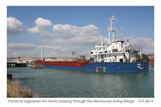 MV Kento at Newhaven Swing Bridge - 12.9.2014