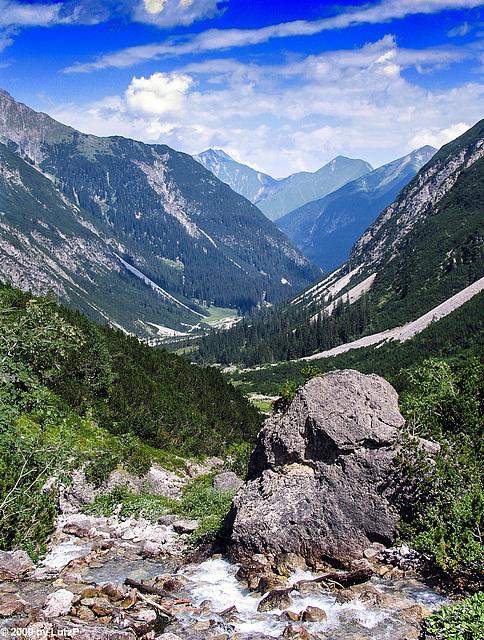 Hiking to Hanauer Hütte - Auf dem Weg zur Hanauer Hütte (000°)