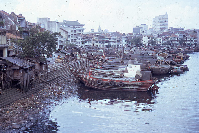 4 singapore barges