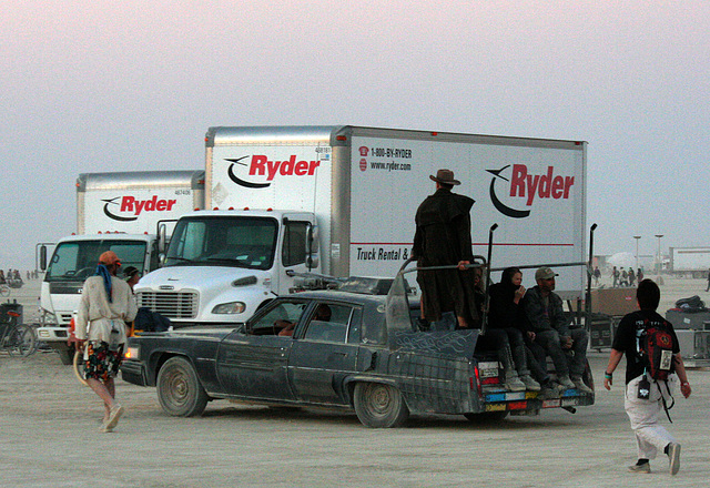 A Limo For The 1% At Burning Man (4744)