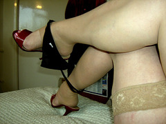 Carla !!  Feeling naughty in high heels......... En mode provocation érotique en talons hauts........
