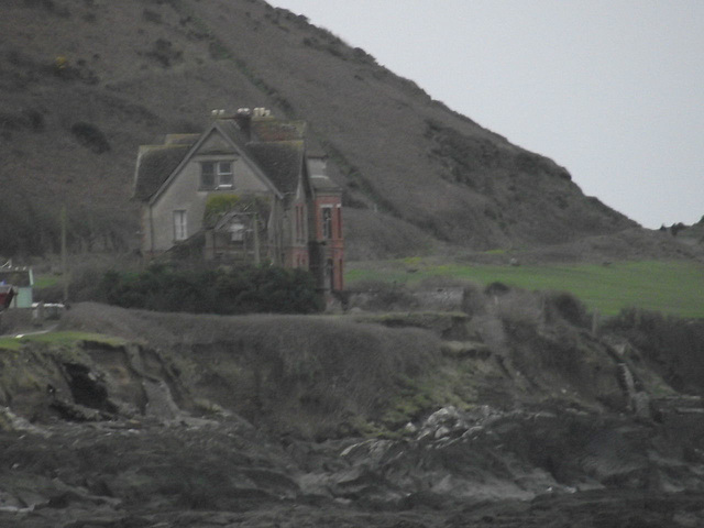 The cliff house is getting closer to collapsing