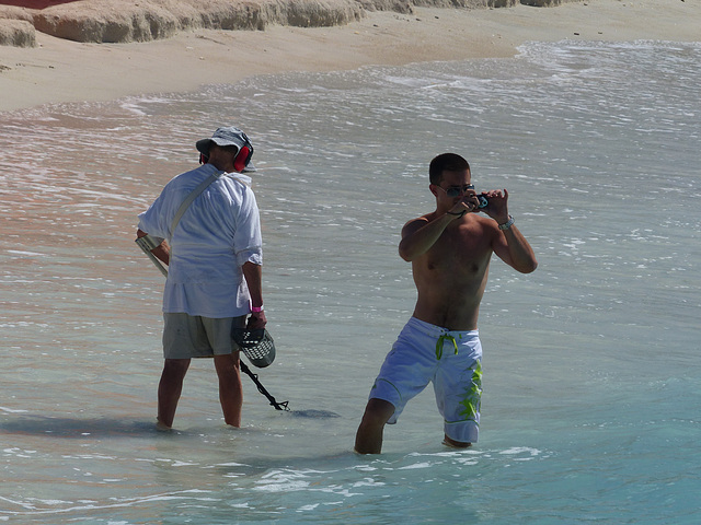 The Beachcomber and The Photographer - 30 January 2014