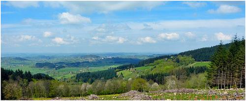 Ma maison en Bourgogne , Vue sur le Charolais- Brionnais. (VOIR NOTE et CLIC SUR PHOTO)