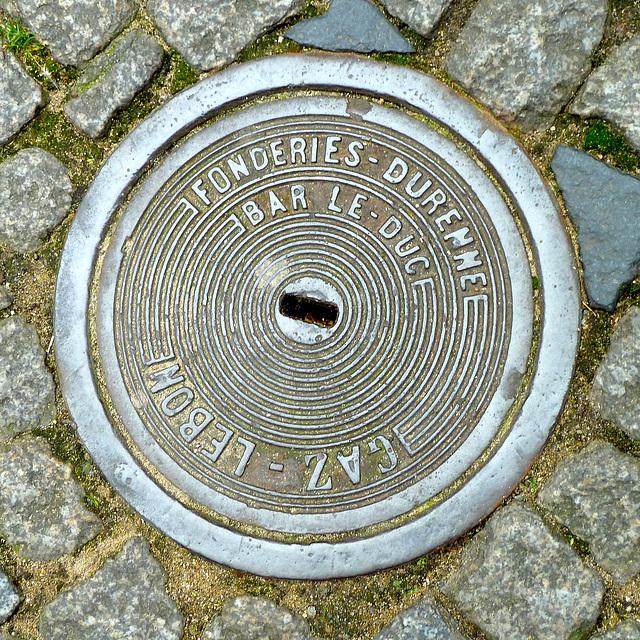 Saint-Malo 2014 – Manhole cover of Fonderies-Durenne of Bar-le-Duc
