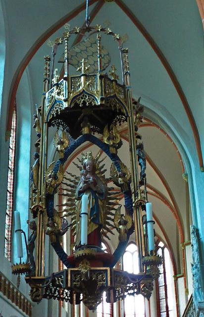 Der Marienleuchter im Nordschiff der Johanniskirche Lüneburg
