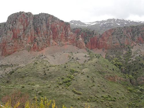 Canyon Cliffs, Noravank