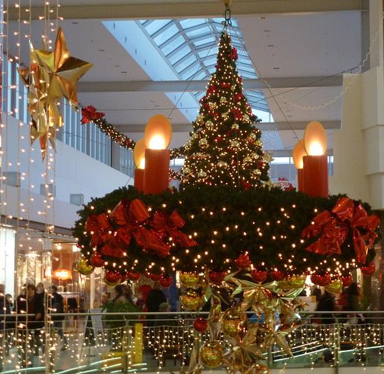Weihnachtlich geschmückt im Kaufpark Nickern / Dresden