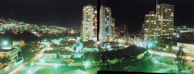 30 La Paz: At Night
