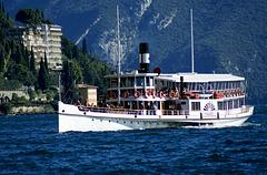 Schaufelrad-Dampfer Zanardelli bei Limone am Lago di Garda. ©UdoSm