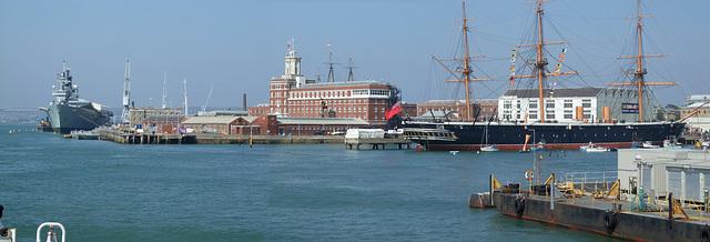 Panorama Portsmouth dockyard - Aug 2008