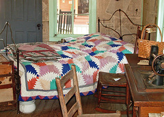 Vintage Bedroom (with a quilt - Q)